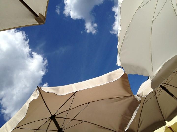 parasol-431532_1280